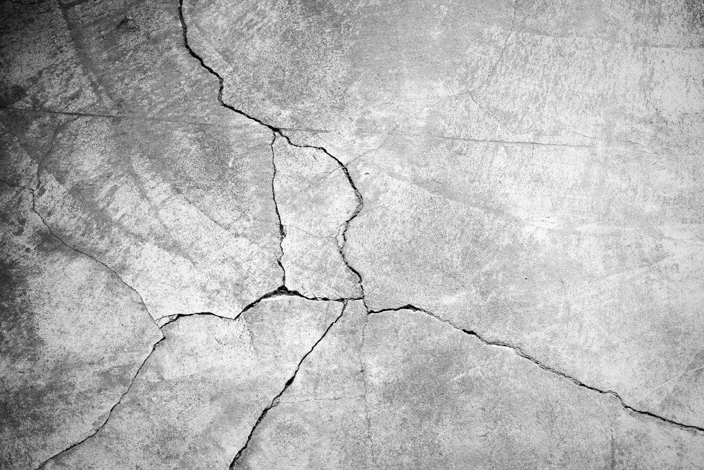 Concrete with cracks