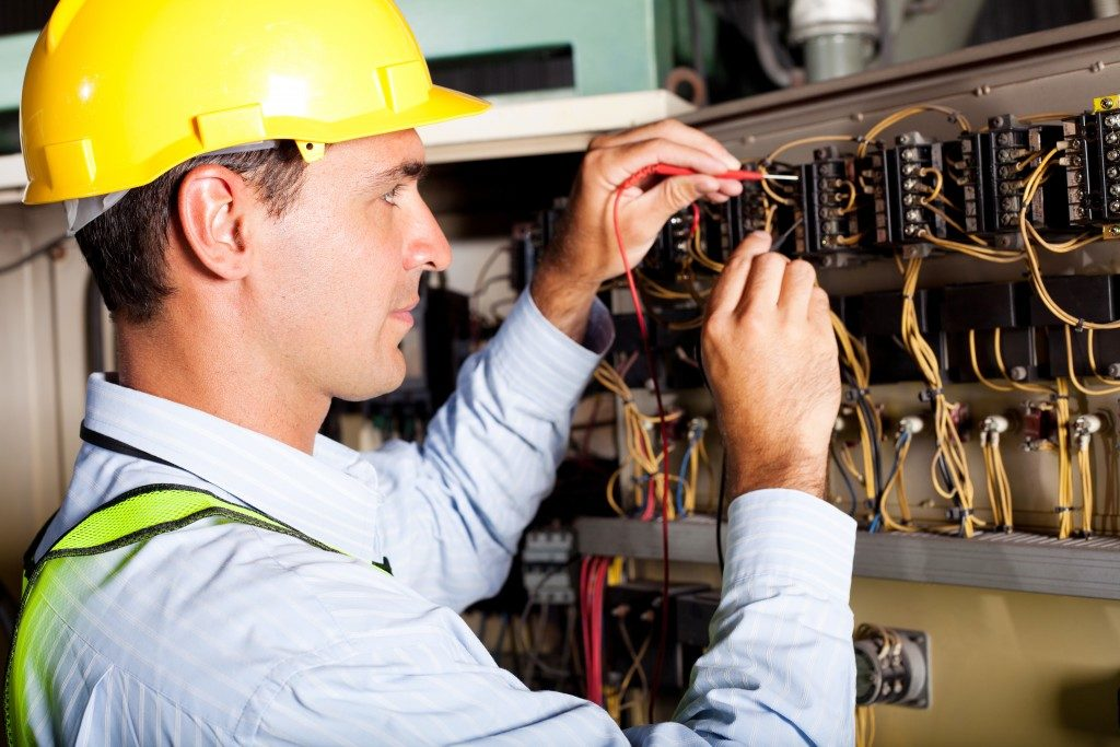 Electrician fixing machine