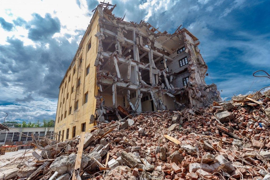 Building after an earthquake