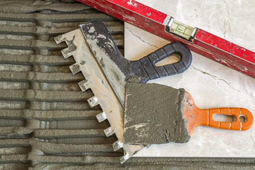 Tools used in repalcing tiles