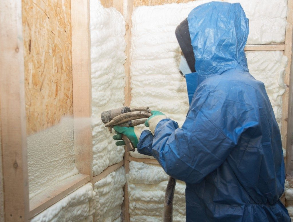 Polyicynene foam insulation