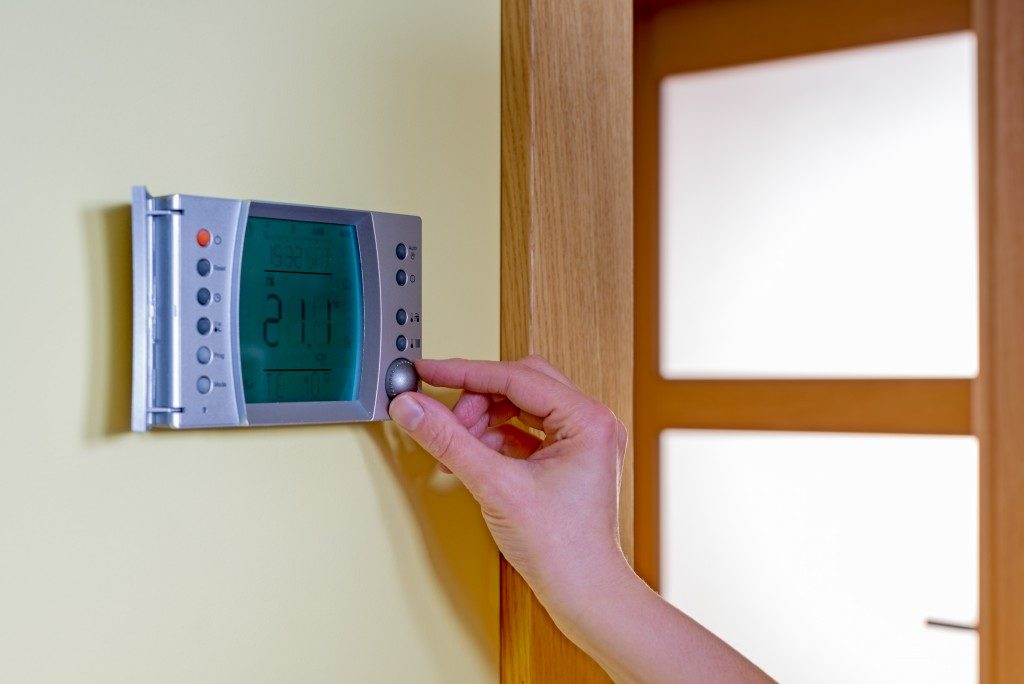 Economic tips for keeping your house warm during the - Temperature to keep house in winter ...