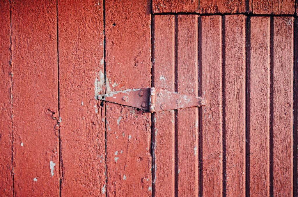 Red door hinge